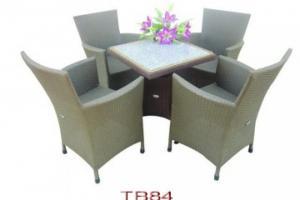 Bàn ghế với giá rất tốt để đáp ứng nhu cầu mở các quán cafe, quán nhậu, nhà hàng