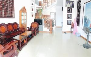 Cho thuê nhà gần cầu Rồng, sân vườn, 3 phòng ngủ, đủ tiện nghi, 13Tr