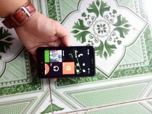Cần bán Lumia 625 nguyên zin