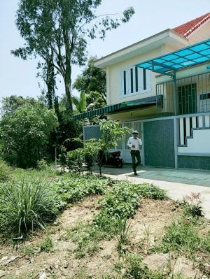 136m2(8x17) đất 2 mặt tiền đường Phạm Thị Liên