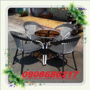 Các loại bàn ghế cà phê thông dụng giá rẻ