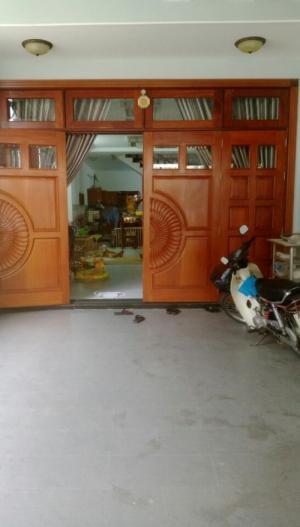 Cho thuê nhà nguyên căn đường Hồ Bá Phấn, Q9