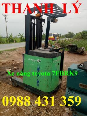 Xe nâng điện đứng lái Toyota 0,9 tấn