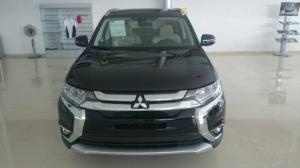 Mitsubishi OUTLANDER, xe nhập Nhật nguyên chiếc, cho vay 80%, lãi suất thấp.