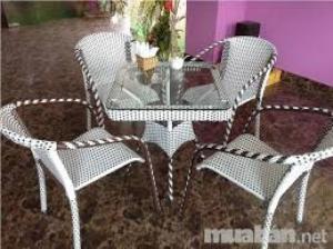 Sản xuất bàn ghế nhựa giả mây,bàn ghế sắt các loại , sản phẩm cty làm ra đẹp ,đa dạng