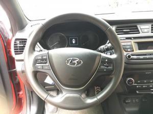 Cần bán Hyundai i20 Active 1.4 AT 2016, màu đỏ