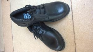 Giày bảo hộ đế cao su chịu nhiệt cao