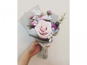Bó hoa nhỏ xinh tặng người thân yêu