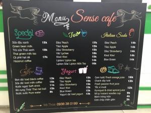 In menu dán tường khổ lớn từ PP cán format
