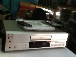 Bán chuyên Cd Sony 555ESA hàng bải, đẹp long lanh