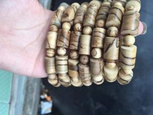 Chuỗi hạt trầm hương