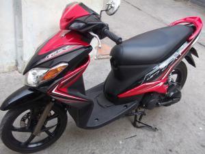 Yamaha luvias màu đen 2k12 xe đẹp máy êm nguyên zin