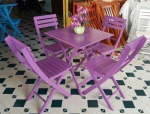 Bàn ghế gỗ đa màu giá rẻ nhất