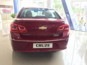 Chevrolet Cruze 2017 giảm giá lên đến 70 triệu