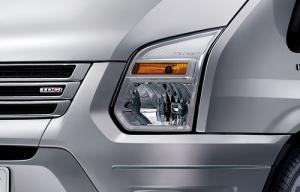 Ford Transit 2.4 Luxury, chỉ cần 140tr nhận ngay xe tặng lót sàn, bọc trần, ghế da Simili