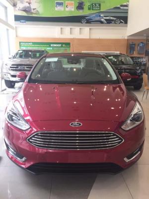 Ford Focus 5 Cửa Hatchback 2017 giao ngay, đủ màu, tặng ghế da, phim, bảo hiểm- liên hệ để nhận giá ưu đãi