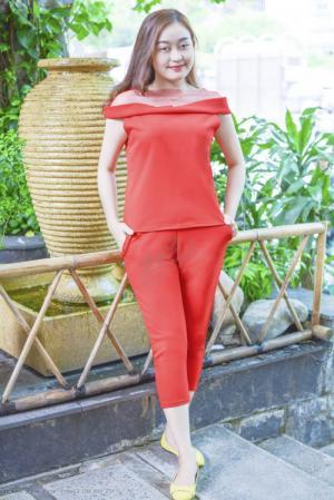 Set đồ bộ nữ áo vai trễ quyến rũ mix quần lửng sang trọng may đẹp mặc ở nhà hoặc đi chơi