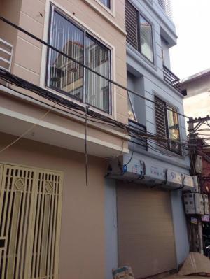 Bán nhà 4 tầng Phố Tư Đình DT 32m2 MT 3,75m Giá 1,8tỷ