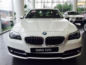 BMW 5 Series 520i F10 màu trắng, giá tốt nhất, có xe giao sớm