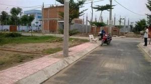 Bán 2 lô đất liền kề đường Phan Văn Mảng, Bến Lức đối diện cổng KCN Thuận Đạo giá chỉ hơn 2tr/m2