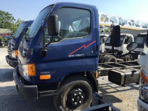 Thân xe tải Hyundai HD800 Veam thiết kế bằng loại thép chịu lực đặc biệt do bên phía nhà máy Hàn Quốc sản xuất trực tiếp với công nghệ luyện kim tiên tiến nhất hiện có. thiết kế các lỗ một cách khoa học tại các điểm khác nhau để tránh sự giản nở của kim loại. gia cố thêm các thanh ngang tăng thêm độ chắc chắn. khoảng sáng gầm xe rộng, chắc khỏe. khả năng quá tải cao nhất trong các dòng xe cùng phân khúc thị trường