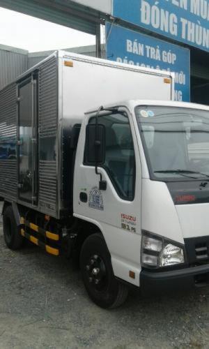 Xe tải ISUZU tải trọng 2T2 thùng mui kín