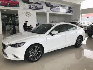 Bán xe Mazda 6 2017 , màu trắng sang trọng. Chỉ cần 250tr giao xe ngay.