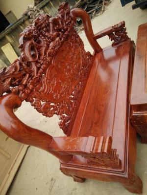 Bộ bàn ghế rồng đỉnh gỗ hương vân tay 12