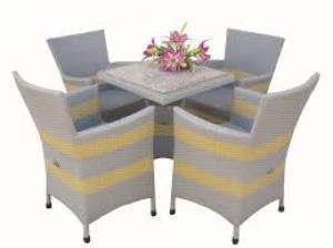 Bán bàn ghế cafe có đặc tính chịu nhiệt và chịu lực tốt, không phai màu