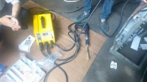 Máy hàn giật tôn sửa vỏ xe