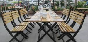 Bàn gỗ chân sắt giá rẻ nhất trong các bộ bàn ghế và có rất nhiều loại khác..