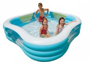 Bể bơi vuông bản quyền 3 tầng thiết kế lượn sóng màu sắc cực đẹp, chất liệu dày dặn 0.32 mm, có thể sử dụng nhiều mùa liên tiếp.