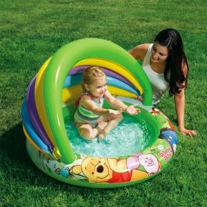 Bể bơi phao INTEX mái che cầu vồng in hình gấu Pooth ngộ nghĩnh, đáy bể có bơm hơi tạo cảm giác êm ái cho bé khi sử dụng.