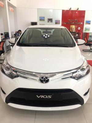 Bán xe Toyota Vios 1.5E màu Trắng, giao ngay, khuyến mãi khủng tặng BH,gòi Bảo dưỡng 3 năm,