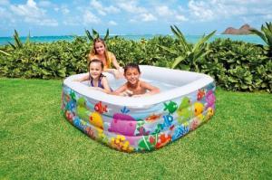 Bể bơi vuông thiết kế hình đại dương độ dày thành bể 0.3 mm.  Bể có van xả nước ở đáy thuận tiện sau khi không dùng nữa.