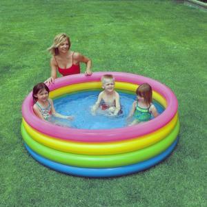 Bể bơi phao cầu vồng 4 tầng 1m68 INTEX thành bể khá dày dặn, chất liệu bền đẹp. Có van xả khí độc lập thuận tiện cho việc hút xả khí.
