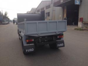 Xe ben Fuso 1T8 vào thành phố