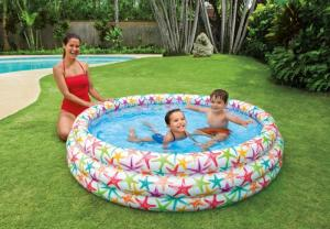 Bể bơi phao, hồ bơi phao 3 tầng có họa tiết hình sao biển đường kính 1m68, cao 40cm. Bể có đáy mầu xanh tạo cảm giác mát mẻ.