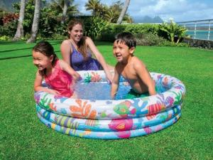 Bể bơi phao đại dương thành bể gồm 3 lớp với 3 van 1 chiều riêng biệt, đáy bể cũng bơm hơi êm