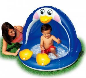 Bể phao chim cánh cụt đa năng có thể dùng như bồn tắm hay thả bóng vào chơi như nhà bóng.