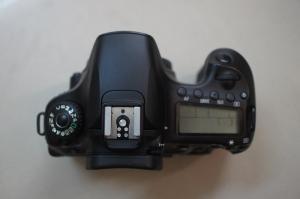 Canon 60d new 98% nguyên zin 16k shot có bảo...