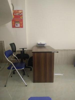 Nhân viên hành chính văn phòng