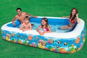 Bể bơi phao gia đình đại dương 3m05 sau khi bơm có kích thước Dài = 3m05, Rộng = 1m83, Cao = 56 cm.