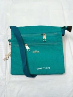 Túi đeo chéo kip, logo chữ nổi sang chảnh, hàng vnxk