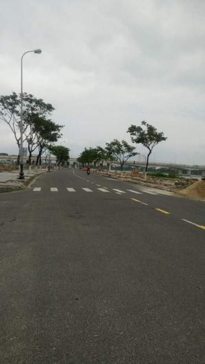 Lô Góc Ven Sông Hàn Quận Hải Châu Trung Tâm Thành Phố Đà Nẵng, Đường 7M5, 175M2