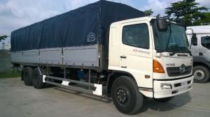 xe tải hino 24 tấn thùng mui phủ