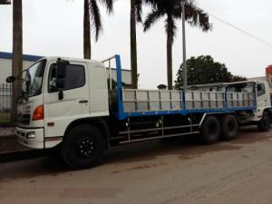 xe tải hino 24 tấn thùng lửng