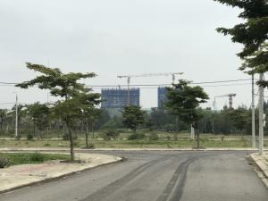 Bán 2 lô  hướng Đông Nam mặt tiền đường 27m  đối diện Spa Sông Hàn