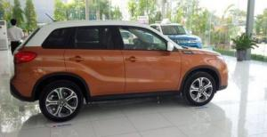 Suzuki Vitara màu cam trắng