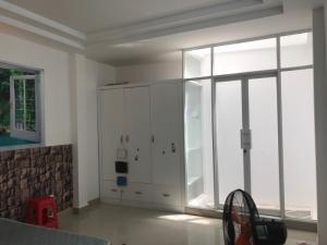 Đi định cư cần bán rẻ  nhà đẹp 3 lầu, sân thượng, Huỳnh Tấn Phát,DT 4x13m. Giá 2,5 tỷ